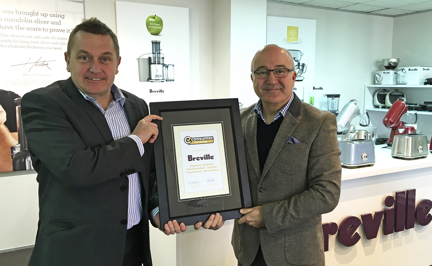 (Above: Derek Bonnar from Consumer presents Brett O'Neill with Breville's Consumer Top Brand Awards.)
